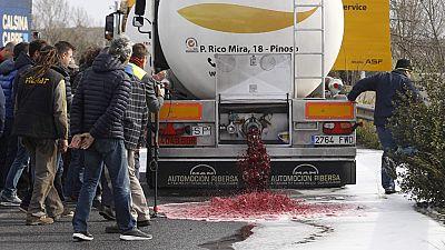 España convoca al embajador de Francia por el ataque de viticultores franceses a camiones españoles