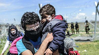 Gases lacrimógenos en Idomeni a quienes intentaban cruzar la frontera con Macedonia