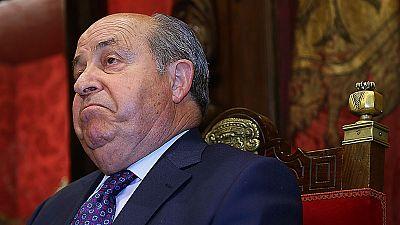El alcalde de Granada defiende su inocencia y se niega a dimitir