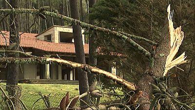 Varios tornados provocan importantes daños en la costa de A Coruña