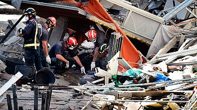Dos muertos y ocho personas sin localizar tras el derrumbe de un edificio en Tenerife