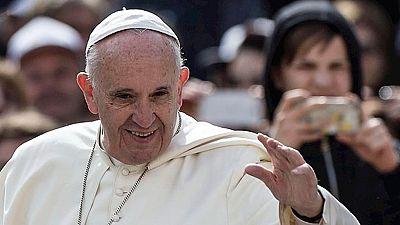 El papa Francisco visita Lesbos para comprobar las condiciones en que viven los inmigrantes