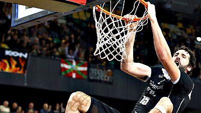 El Dominion Bilbao Basket logró una clara victoria frente al Baloncesto Sevilla, basada en un buen primer cuarto y en el gran partido realizado por tres de los pesos pesados del equipo: Raül López, Alex Mumbrú y Axel Hervelle.