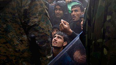 Los refugiados acampados a lo largo y ancho de Grecia intentan sobrevivir en condiciones de miseria