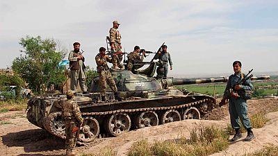 Los talibanes afganos dejan decenas de muertos en un duro golpe a la zona de máxima seguridad de Kabul