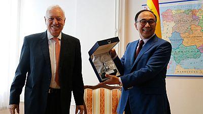 Margallo inicia un viaje oficial de dos días a Kazajistán