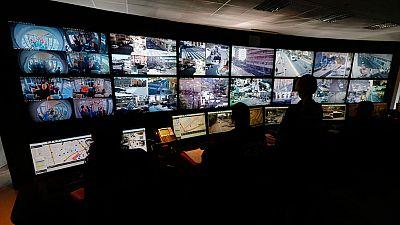 Controversia en Francia por la emisión del momento en el que uno de los terroristas de los atentados de París se hace estallar