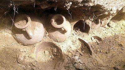 Halladas en Sevilla 19 �nforas con 600 kilos de monedas de bronce del siglo IV d.C.