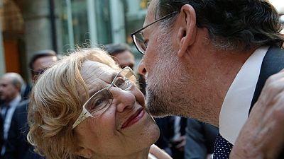 """Rajoy advierte a Pedro Sánchez de que """"los vetos son malos para la democracia"""""""