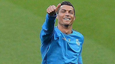 Cristiano Ronaldo se ha ejercitado con normalidad junto al resto de sus compañeros y podrá jugar contra el Manchester City este miércoles. Benzema, por su parte, es duda y solo ha realizado carrera continua.