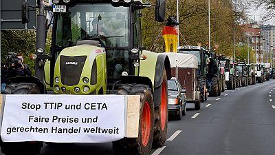Bruselas dice que el TTIP no rebajará la regulación europea sobre protección de consumidores