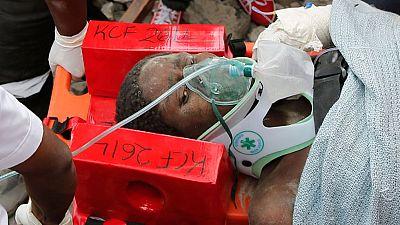 Rescatan con vida a cuatro personas tras seis días bajo los escombros del edificio de Nairobi