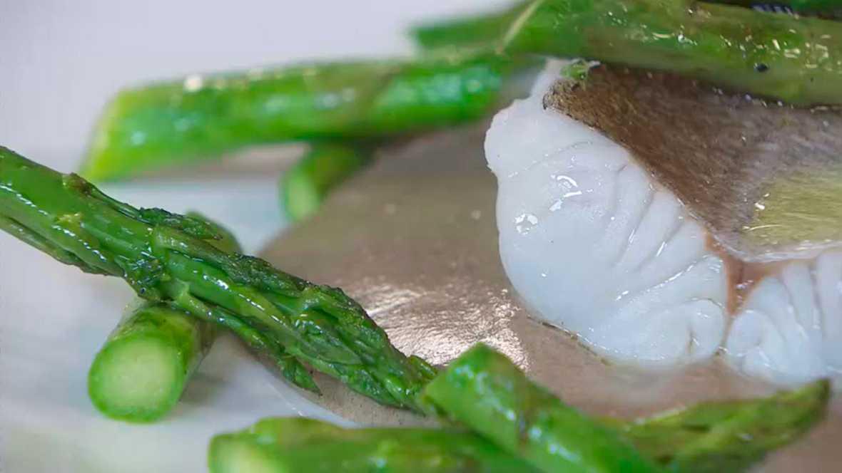 Torres en la cocina - Merluza a la sal con puré de ajos negros