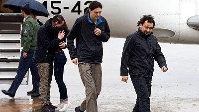 Los tres periodistas liberados tras casi un año de secuestro en Siria llegan a España