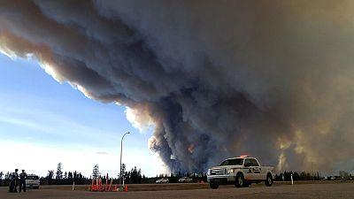 El incendio forestal del noroeste de Canadá seguirá activo durante meses