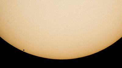 Mercurio cruza hoy por delante de la esfera solar