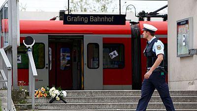 Un hombre mata a una persona a cuchilladas y hiere a otras tres en una estación de tren en Alemania