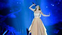 Eurovisión 2016 - Semifinal 1 - La representante de Austria Zoe interpreta 'Loin d'ici'