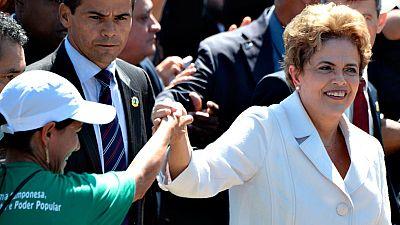 Dilma Rousseff deja la presidencia con un baño de multitudes
