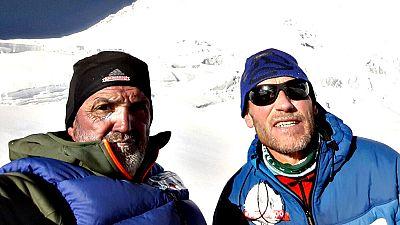 Juanito Oiarzabal y Alberto Zerain han alcanzado los 7.100 metros de altura en el Dhaulagiri (8.167 metros) y esperan ya desde el campo base una ventana de buen tiempo para el ataque final a la cima.