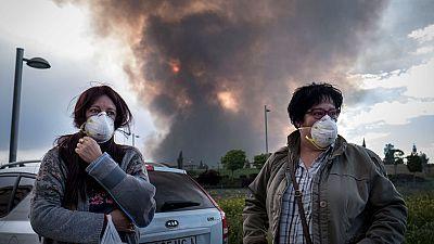 El humo procedente de la quema de neumáticos puede generar crisis de asma y neumonías