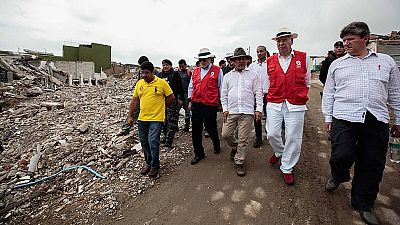 Margallo visita la zona afectada por el terremoto de Ecuador