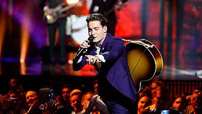 Eurovisión 2016 - Países Bajos: Douwe Bob canta 'Slow Down'