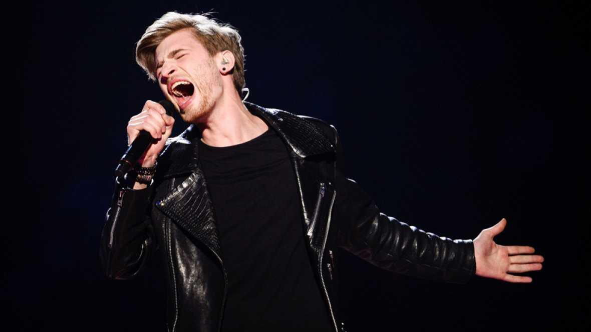 Eurovisión 2016 - Letonia: Justs canta 'Hearbeat'