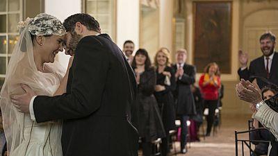 El Ministerio del Tiempo - Dos bodas, dos caras de la moneda