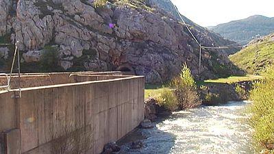 Dos ciclistas mueren ahogados cuando intentaban cruzar con sus bicicletas un canal subterráneo en León