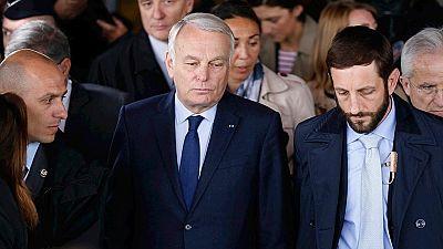 """El ministro de Exteriores francés: """"Hay que esperar a confirmar información"""""""