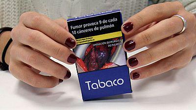 Entra en vigor la nueva directiva europea del Tabaco que duplica las advertencias en las cajetillas