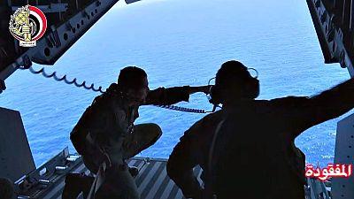 Egipto halla restos del avión de EgyptAir siniestrado a unos 280 kilómetros de la costa
