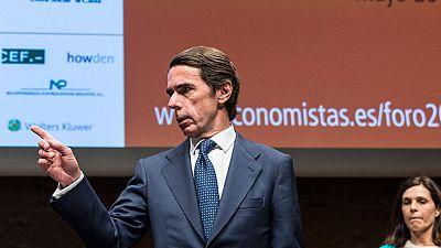 """Aznar considera """"un error"""" relajar la corrección del déficit y alerta de los riesgos de una elevada deuda"""