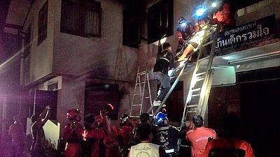 Al menos 17 niñas muertas en el incendio de un dormitorio escolar en Tailandia