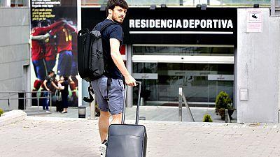 """El jugador del Manchester City y de la selección española David  Silva afirmó que después de haber ganado dos Eurocopas consecutivas  son unos de los """"favoritos"""" para conquistar la de Francia 2016 y que  si van """"paso a paso y con humildad"""" seguro que"""
