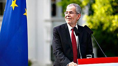 Un ecologista evita, por un puñado de votos, el triunfo de la extrema derecha en las presidenciales de Austria
