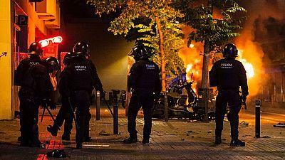 Graves enfrentamientos en Barcelona por el desalojo de una sucursal bancaria ocupada desde 2011