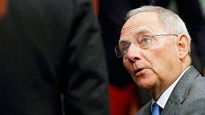 Berl�n critica que Bruselas aplazara la decisi�n de iniciar el proceso sancionador contra Espa�a por incumplir el d�ficit