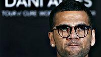 """""""Alves no es de nuestra propiedad pero se trata de un jugador importante. Veremos lo que se puede hacer, recordando que el Juventus tiene una plantilla competitiva y muy dif�cil de mejorar"""", afirm� el consejero delegado del Juventus, Giuseppe Marotta"""