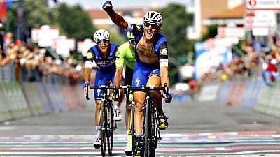 El italiano Matteo Trentin (Etixx) ha sido el ganador de la decimoctava etapa del Giro de Italia que se ha disputado entre Muggiò y Pinerolo, de 240 kilómetros, en la que el holandés Steven Kruijswijk (Lotto Jumbo) mantuvo la maglia rosa. Trentin, de