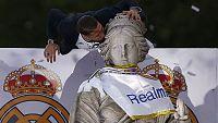 El Real Madrid brinda la 'Undécima' a su afición junto a la diosa Cibeles