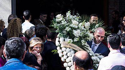 Cientos de personas despiden a las víctimas del incendio de Jaén