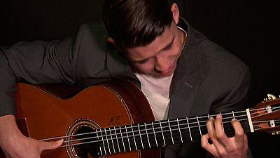 El guitarrista salmantino Amós Lora presenta su segundo trabajo con composiciones propias