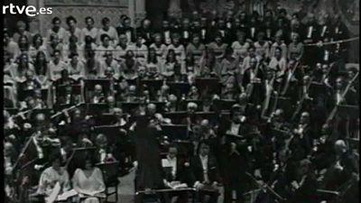 """Arxiu TVE Catalunya - L'Orfe� Catal� canta """"El Pessebre"""" de Pau Casals"""