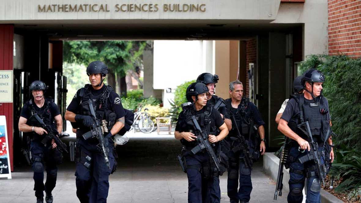 Un tiroteo con dos muertos obliga a cerrar la principal universidad de Los Ángeles