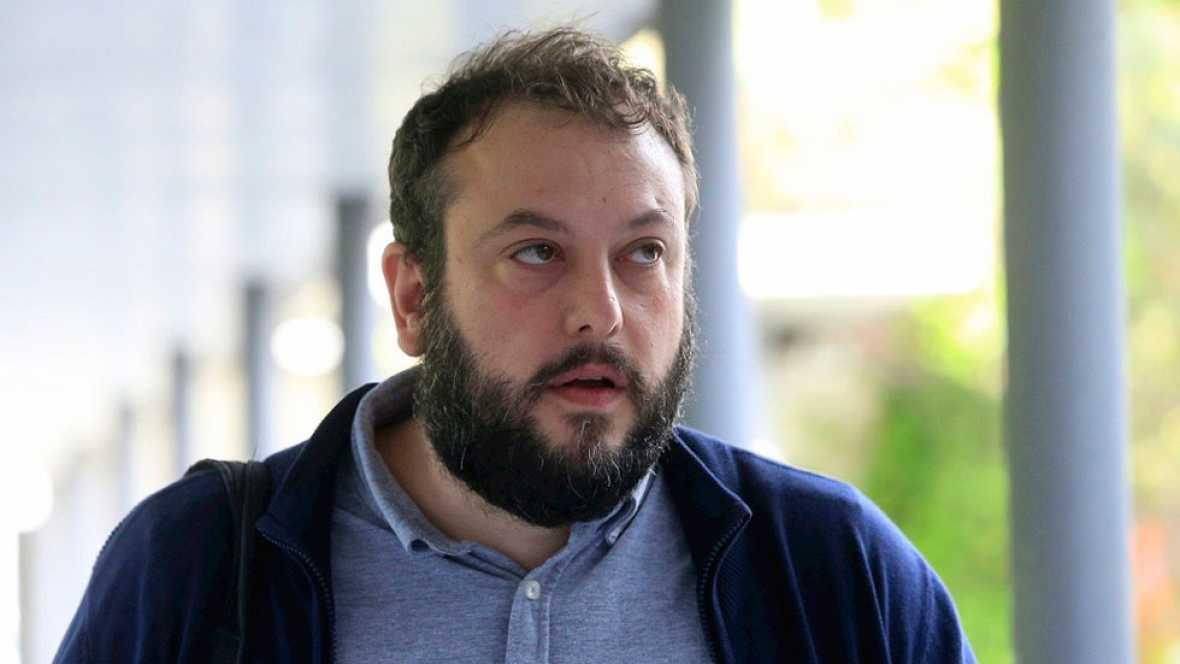 El concejal de Ahora Madrid Guillermo Zapata dice que se desvinculó del Patio Maravillas cuando lo iban a desalojar
