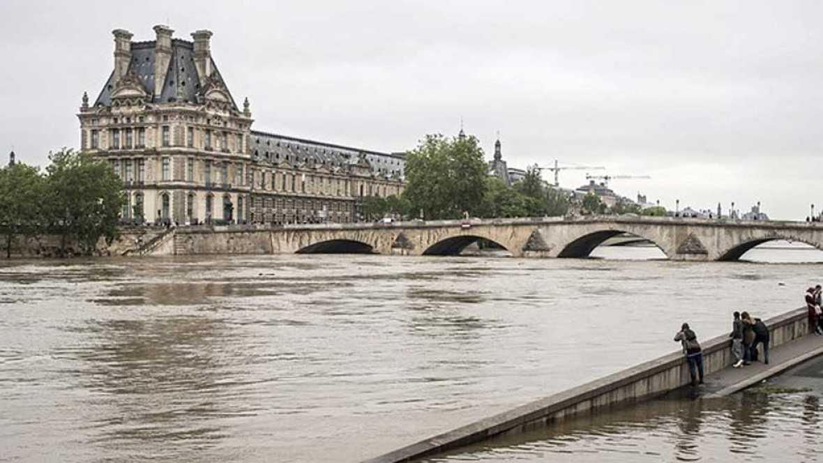 Francia se recupera del temporal que anegó el país