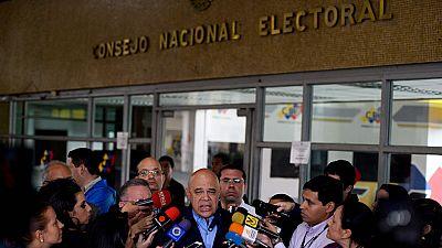 El Poder Electoral de Venezuela valida las firmas necesarias para continuar con el revocatorio