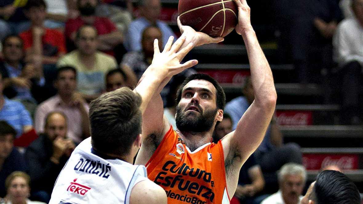 Canastón final de Guillem Vives para que el Valencia Basket derrote en la prórroga al Real Madrid (87-86) y fuerce el cuarto encuentro, tras un auténtico partidazo que tuvo que resolverse en el tiempo extra.